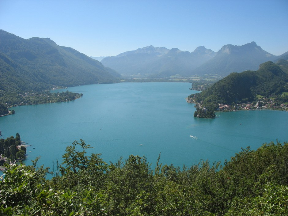 Lac_d'Annecy_2145.jpg